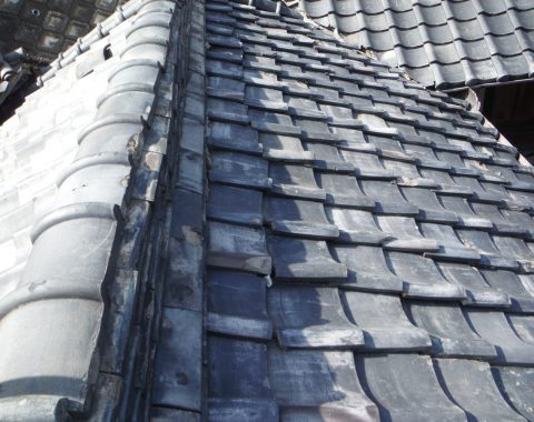 上牧町の屋根瓦葺き替え工事サムネイル