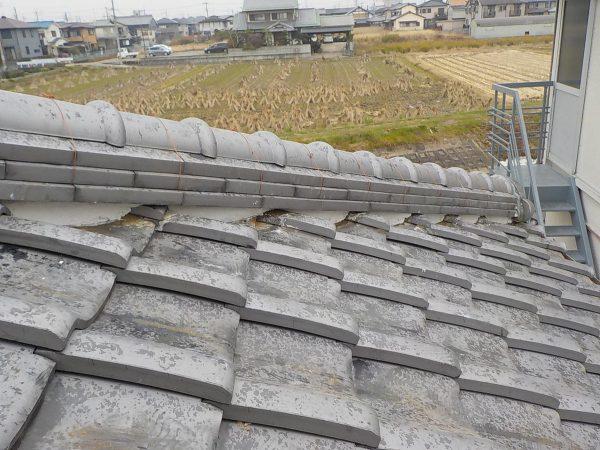 雨漏りの修理(棟瓦積替え)サムネイル