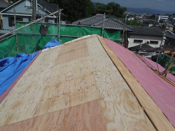 屋根の重量差 (燻し和瓦からガルバニウム鋼板へ)サムネイル