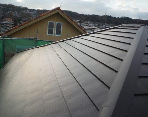生駒市 セメント瓦から横暖ルーフへ葺き替え工事サムネイル