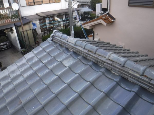 香芝市で棟瓦の積み替え工事ですサムネイル