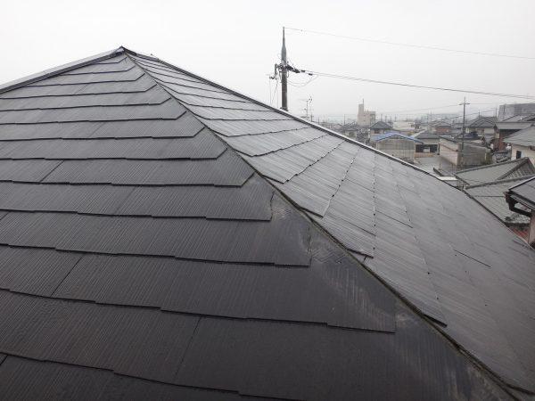 強風で大きな屋根材が落ちていましたサムネイル