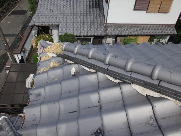 棟瓦が崩れていますサムネイル