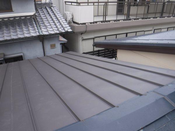 立平板金の重ね葺き工事サムネイル