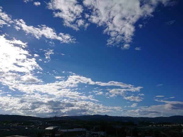 台風の後は空が綺麗ですサムネイル