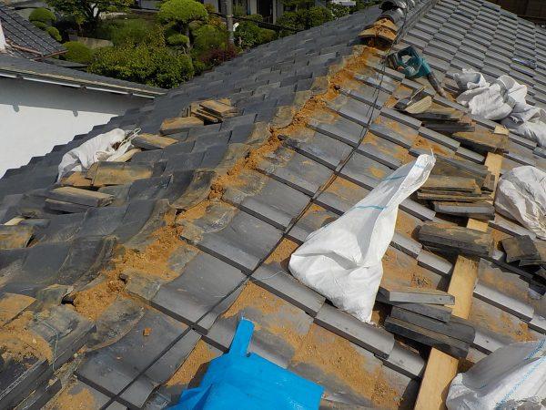 棟瓦の葺き直し工事ですサムネイル