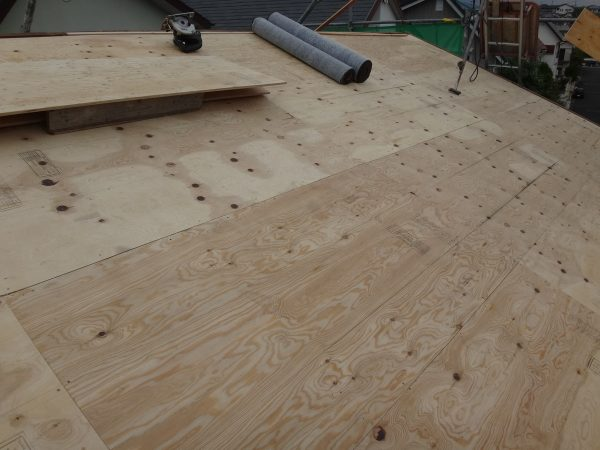 葺き替え工事の着工ですサムネイル