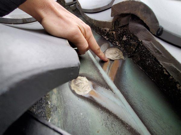 雨漏りの原因⇒銅板の穴開きサムネイル